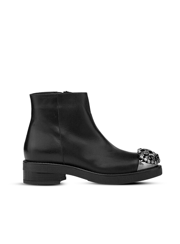 Tronchetto nero con accessorio ALBANO | Tronchetti | 1213VITELLONERO