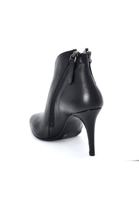 Tronchetto nero con zip ALBANO | Tronchetti | 0096VITELLONERO