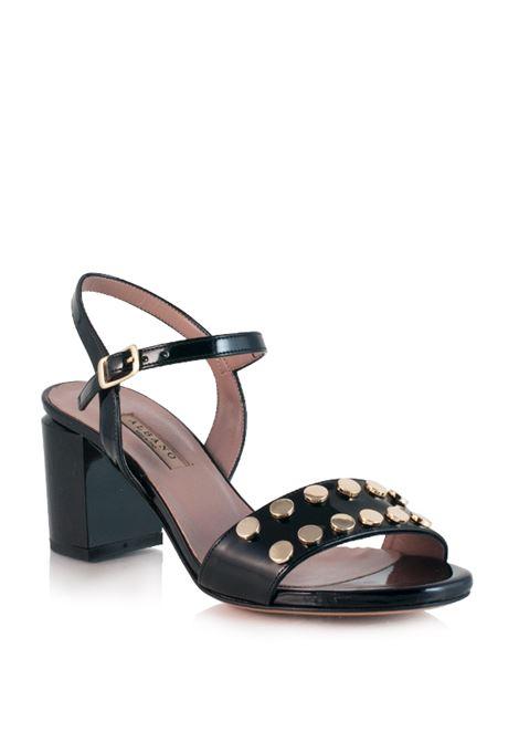 sandalo nero con borchie piatte ALBANO | Sandali | 2658NERO