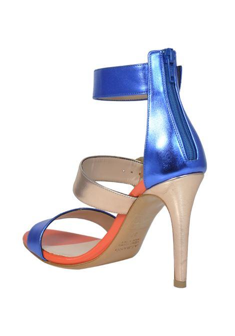 Sandalo tricolore con accessori ALBANO | Sandali | 2079SOFTMETALBLUETTE