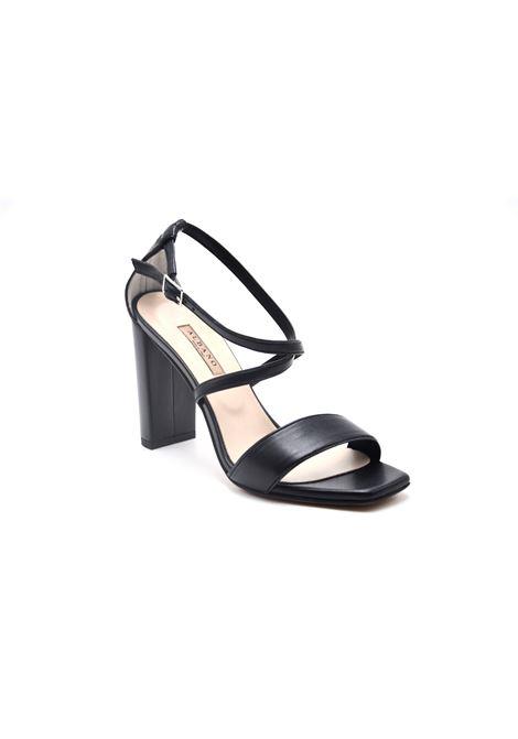 Sandalo nero con incrocio ALBANO | Sandali | 4003SOFTNERO