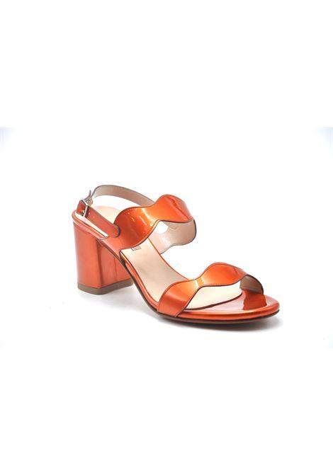 Sandalo in vernice arancio ALBANO | Sandali | 4172VERNICEMAGMA