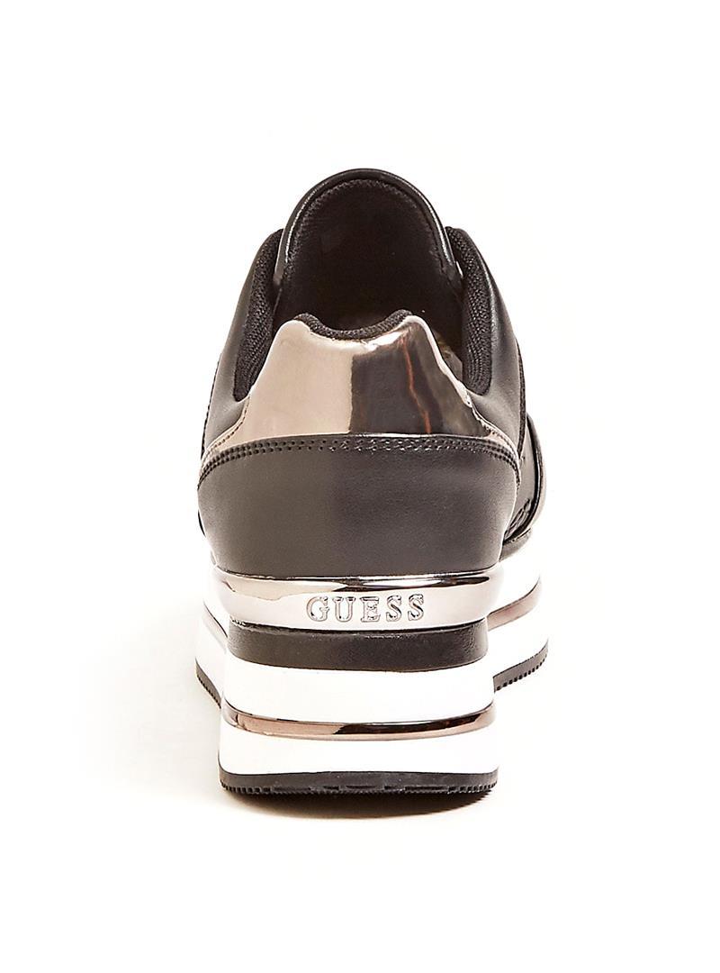 RUNNER DAFNE SIMIL PELLE GUESS   Sneakers   FL7DFEFAL12BLACK