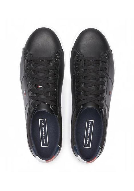 SNEAKERS ESSENTIAL IN PELLE TOMMY HILFIGER | Sneakers | FM0FM02577ESSENTIALBDSBLACK