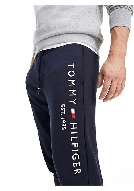 JOGGERS IN MISTO COTONE BIOLOGICO TOMMY HILFIGER | Pantalone | MW0MW11598BASICCJMSKYCAPTAIN