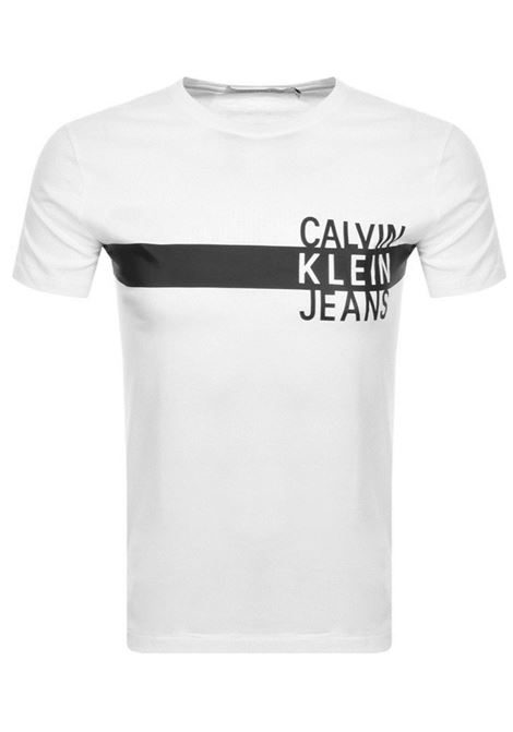 T-SHIRT CON LOGO IMPILATO JEANS CALVIN KLEIN JEANS | T-shirt | J30J314539YAFBRIGHTWHITE