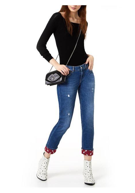 JEANS CROPPED CON RISVOLTO STAMPATO LIU JO BLUE DENIM | Jeans | UA0006D443678012DENBLUEKISSWASH