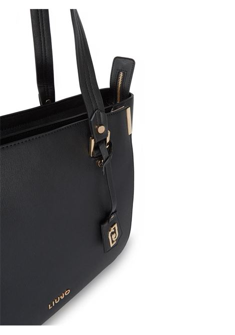 SHOPPING BAG CON CHARM LIU JO | Borsa | AA0006E008722222NERO