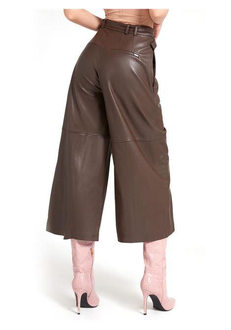 PANTALONE SIMIL PELLE GUESS | Pantalone | W1BB15KAWP0G1EJGROUNDCOFFEE