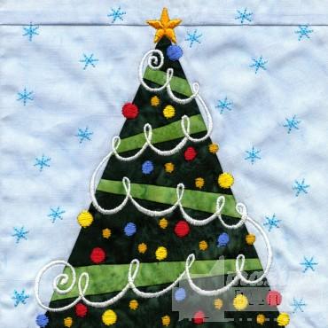 Tree In-the-hoop Christmas Quilt Block