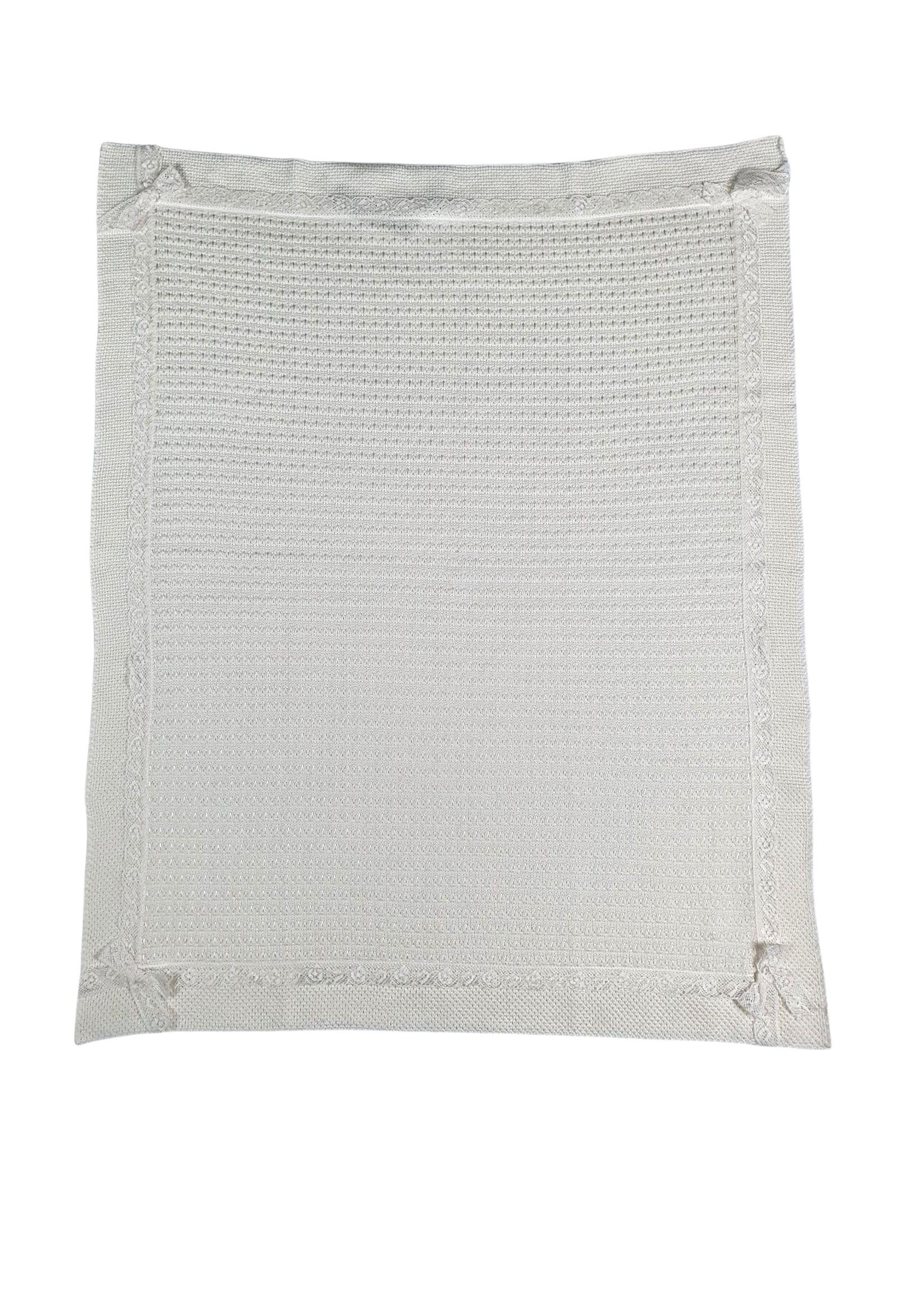 coperta in lana vaniglia con ricami e pizzo marlu | Coperte | IC2380VANIGLIA