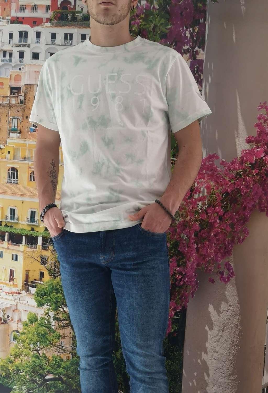 T-shirt verde guess GUESS man   T-shirt   M1RI62K8FQ0VERDE