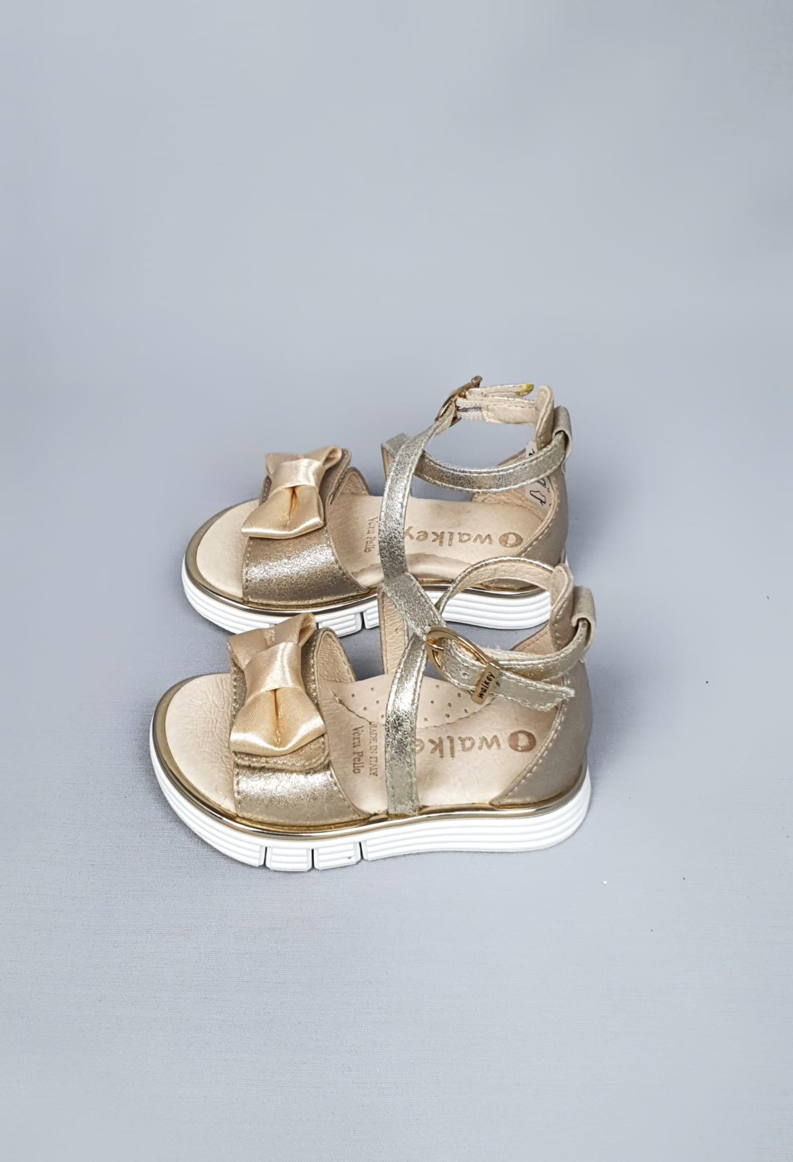 sandalo laminato oro con strappi e fiocco walkey | Scarpe | 41220UNI