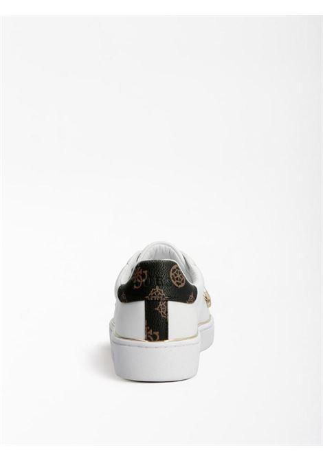 Sneaker bianca e oro GUESS SCARPE | Scarpe | FL7BAAELE12BIANCO