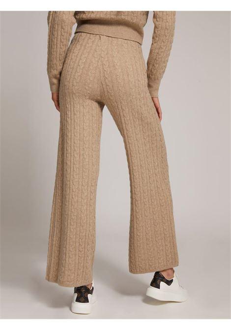 pantalone in maglia beige GUESS   Pantaloni   W1BR07Z2QA0BEIGE