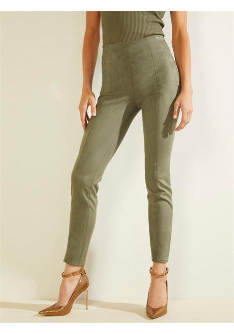 Pantalone scamosciato verde GUESS | Pantaloni | W1YB90WE0L0VERDE