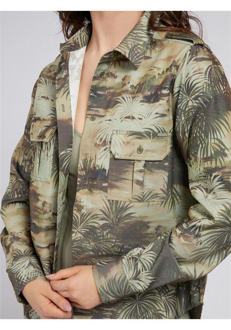 camicia stampata verde GUESS | Camicie | W1YH85WE0V0VERDE