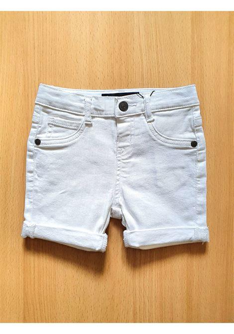 BERMUDA BIANCO MODELLO 5 TASCHE GUESS kids   Pantaloni   N1RD03WCTF0TWHT
