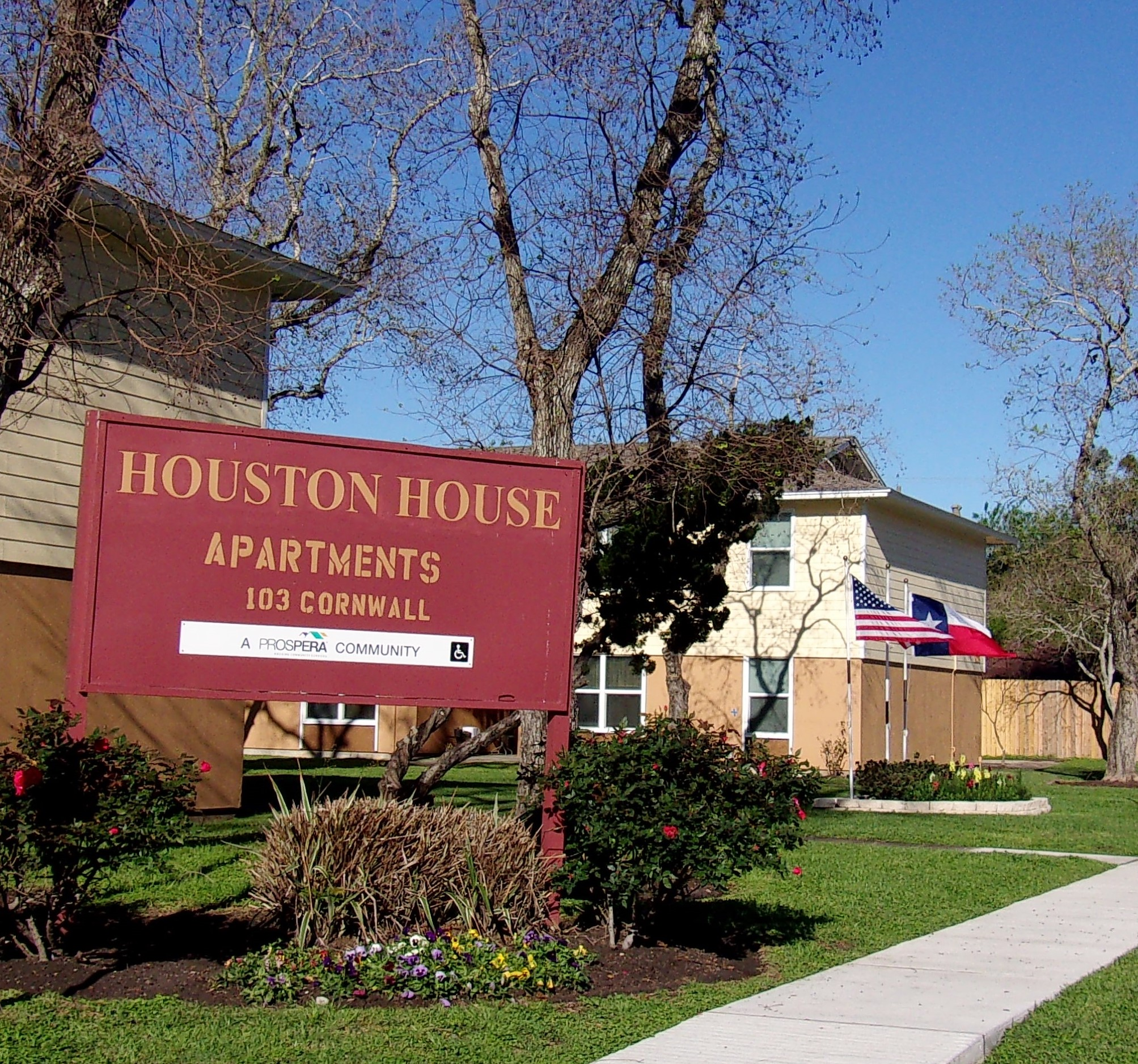 Image of Houston House Apts. in Victoria, Texas