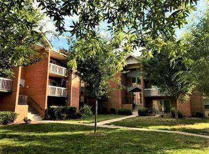 Image of Creekside Village II in Alexandria, Virginia