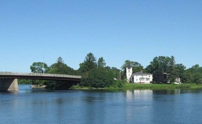 Image of Penobscot River House