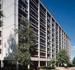 Image of Buena Vista Towers in Elgin, Illinois