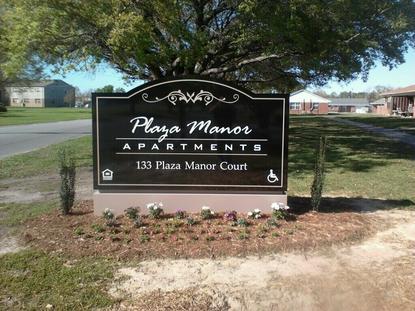 Image of Plaza Manor Apartments in Jacksonville, North Carolina