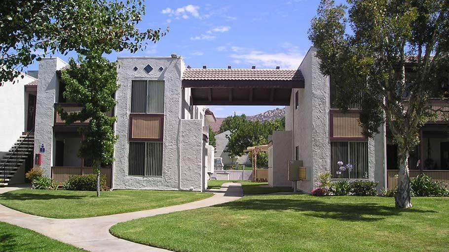 Image of Woodglen Vista Apartments
