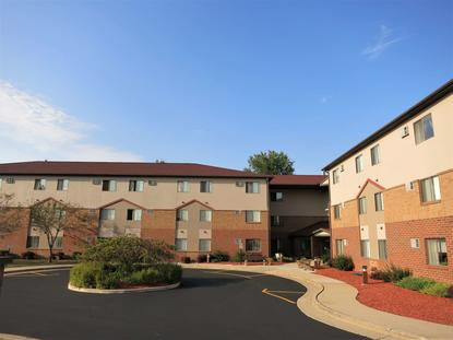 Image of Oak West Apartments in West Allis, Wisconsin