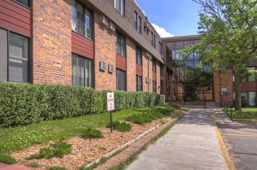 Image of Afton View Apartments in Saint Paul, Minnesota