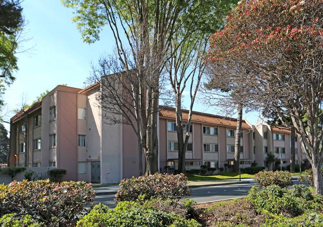 Image of El Portal Gardens Apartments