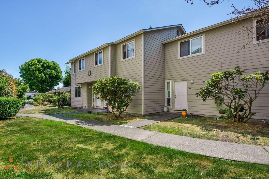 Image of Harbor Village Apartments in Oak Harbor, Washington
