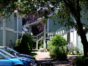 Image of Walnut Court Apartments in Corvallis, Oregon