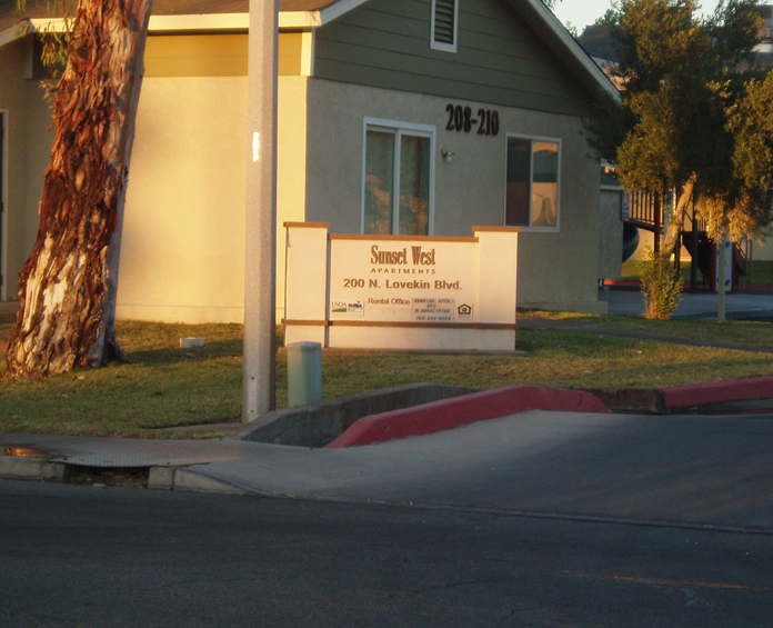 Image of Sunset West Apartments in Blythe, California