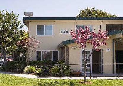 Image of Las Palmas Apartments in San Leandro, California