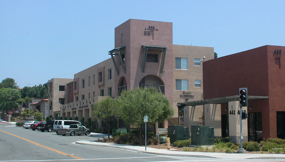 Image of Paseo del Oro Apartments