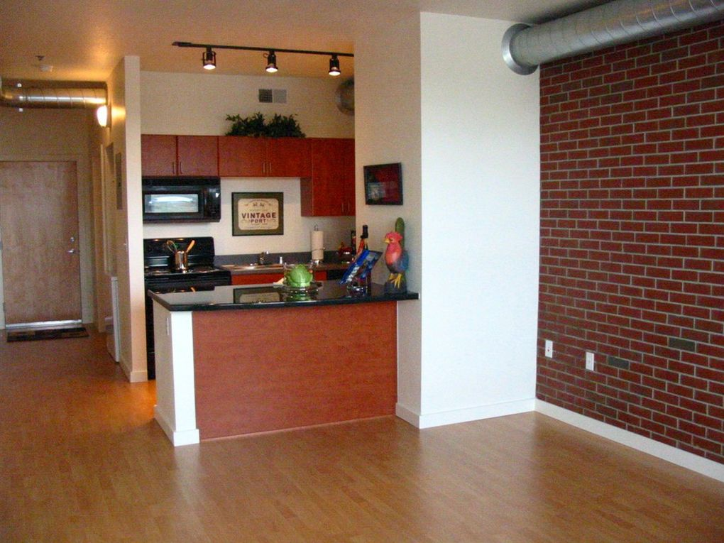 Image of Lincoln Pointe Lofts