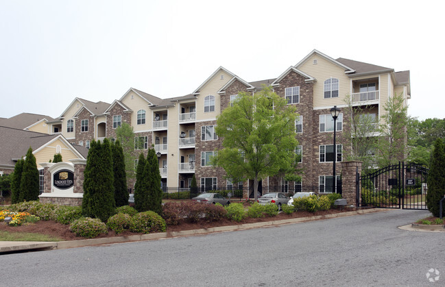 Image of Longwood Vista Apartments in Doraville, Georgia