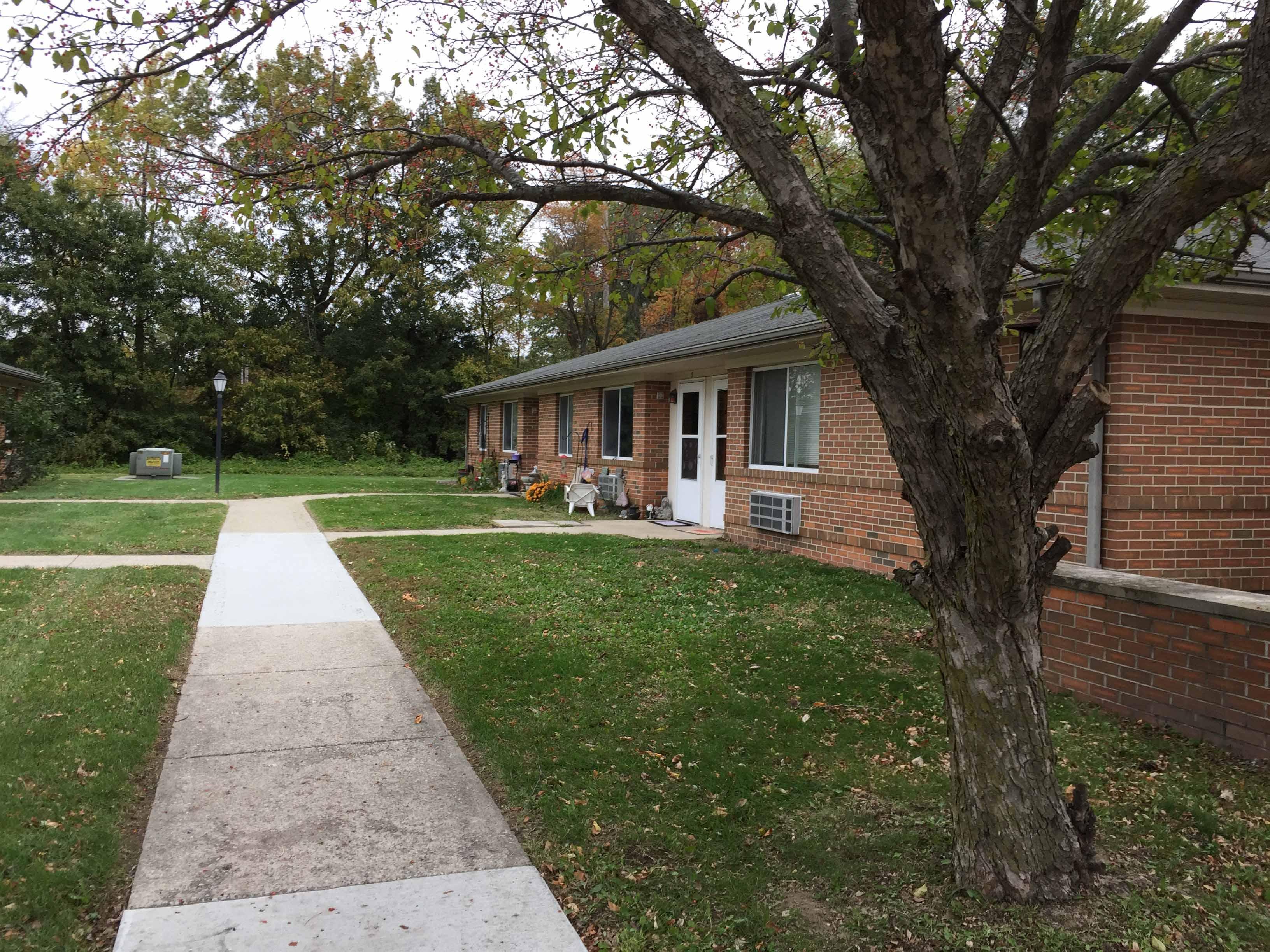 Image of Village Apartments of Riverton in Riverton, Illinois