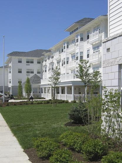 low income apartments in middle river md