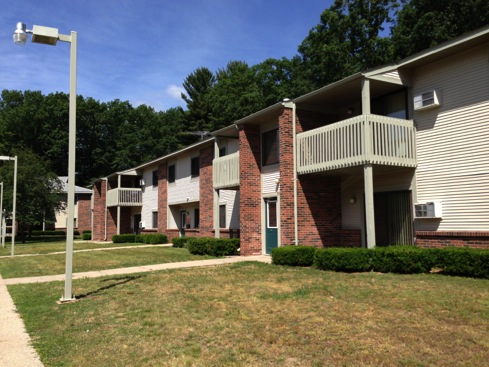 Image of Harrison Woods Apartments in Harrison, Michigan