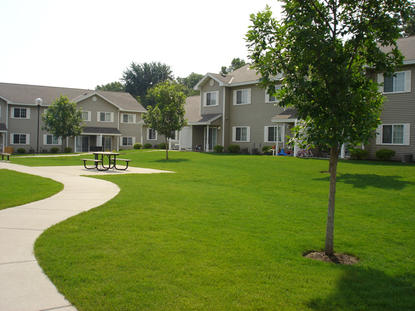 Image of Oak Grove Townhomes in Saint Cloud, Minnesota