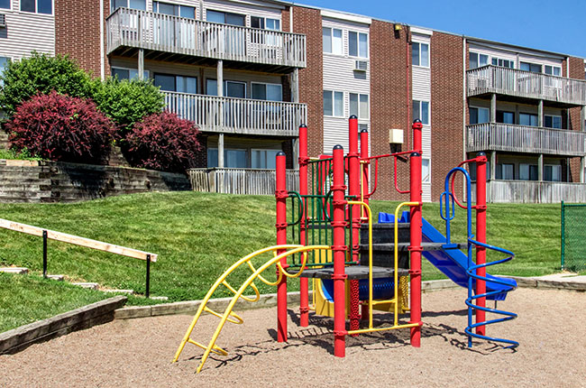 Image of Cedarwood Apartments in Omaha, Nebraska