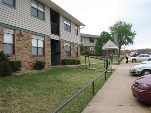 Image of Chandler Village Apartments in Chandler, Oklahoma