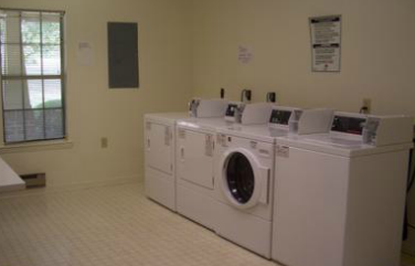 Image of Laurelwood Apartments