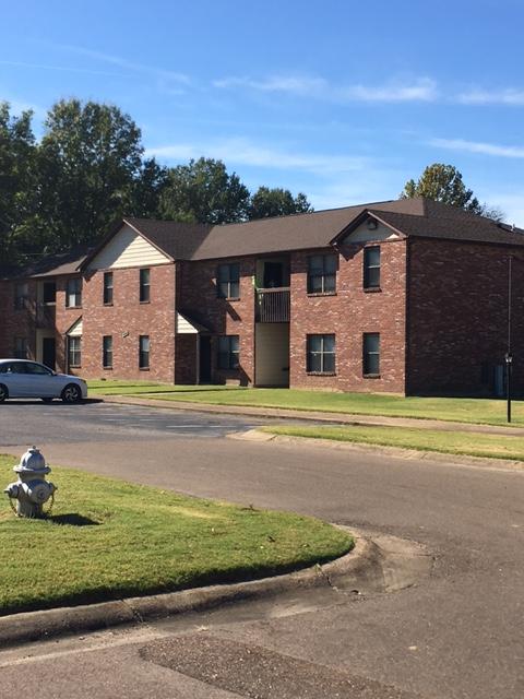 Image of Arlington Manor Apartments in Arlington, Tennessee