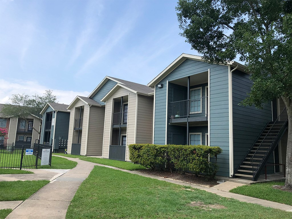 Image of Forest Creek Apartments