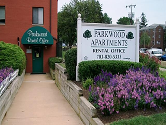 Image of Parkwood Apartments in Falls Church, Virginia