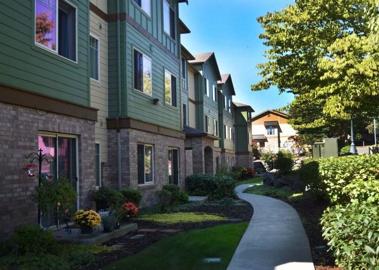Image of Alderwood Court Apartments in Lynnwood, Washington