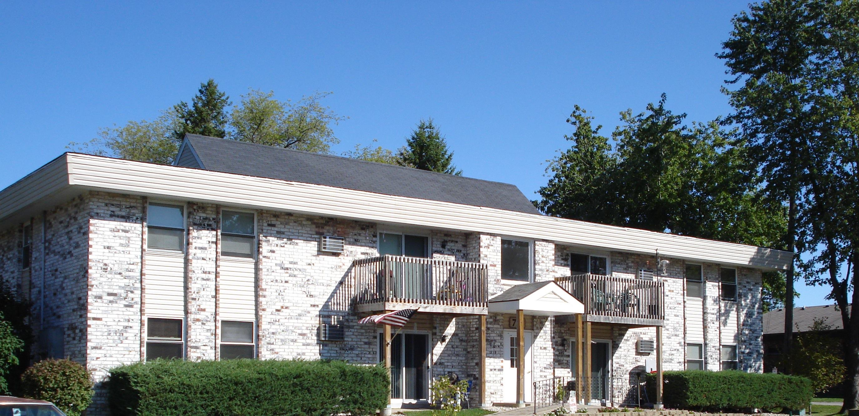 Image of Pebblebrook Apartments in Genoa City, Wisconsin